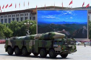 """Jefe militar de Biden afirma que guerra nuclear """"es posible"""" debido a acciones de China y Rusia"""