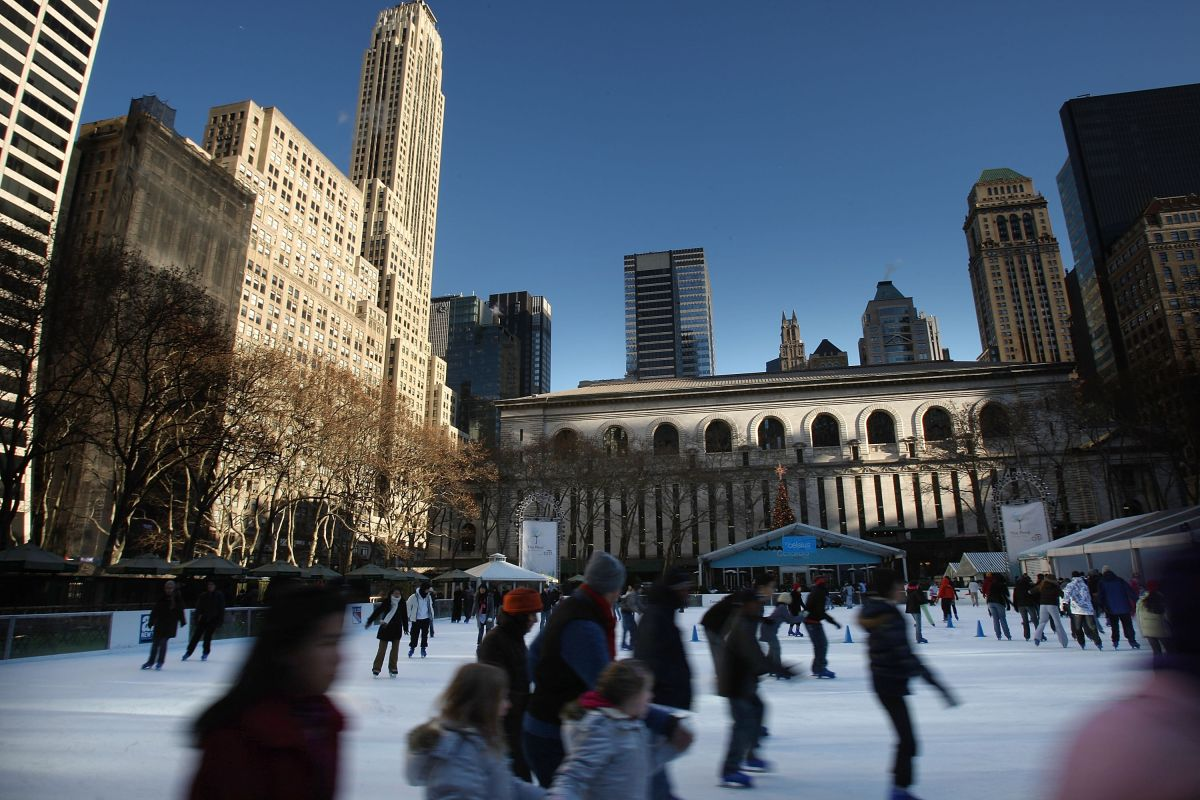 Where can you safely ice skate in New York during the pandemic?