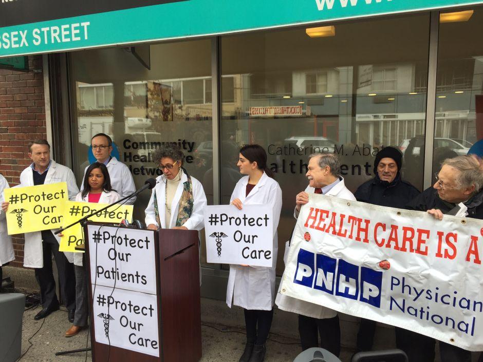 Doctores de NY en pie de lucha para defender el Obamacare
