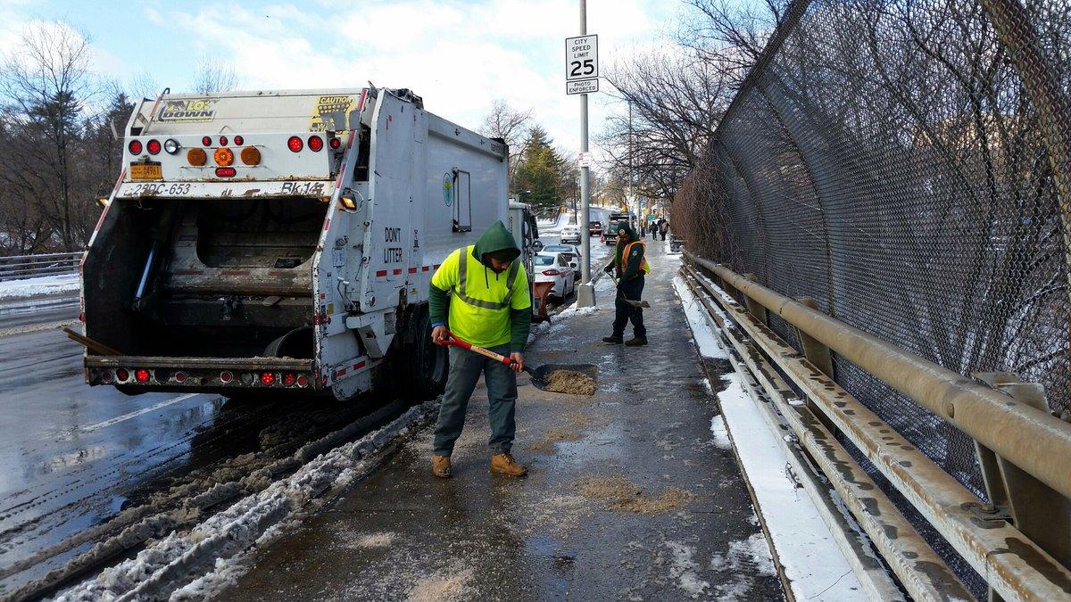 Limpian calles de Nueva York tras tormenta de nieve