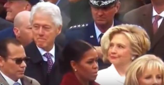 Video: La mirada asesina de Hillary Clinton en la investidura
