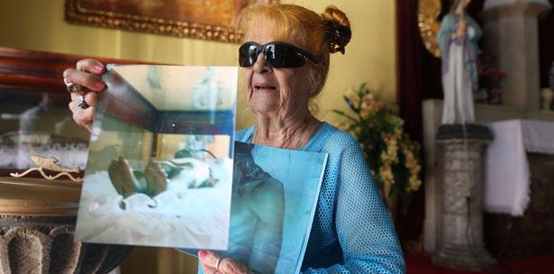 Esta mujer afirma que sus fotos muestran un milagro