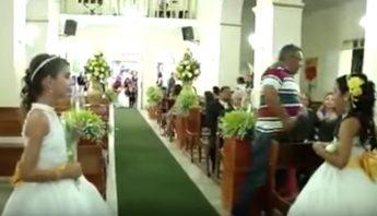 Video: Hombre irrumpe en iglesia durante boda y dispara contra tres invitados