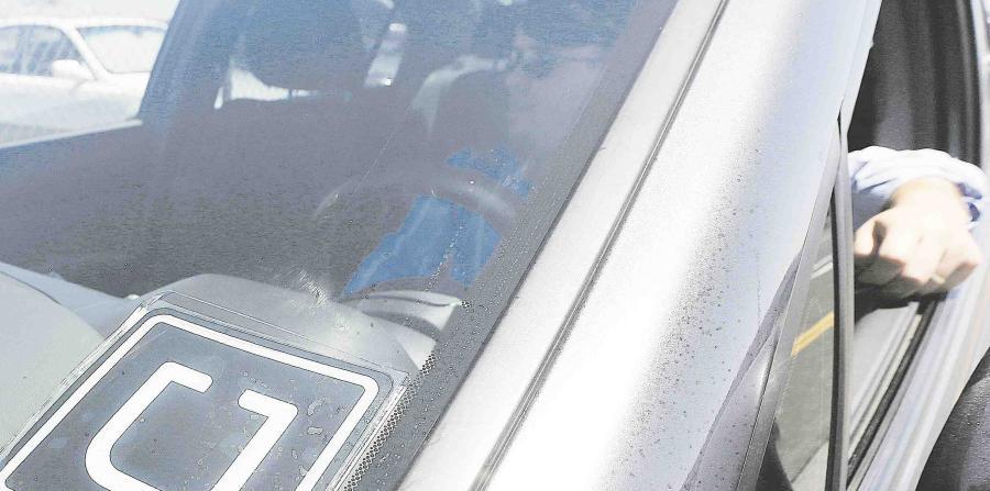 La paliza de taxistas a chofer de Uber que fue captada en video