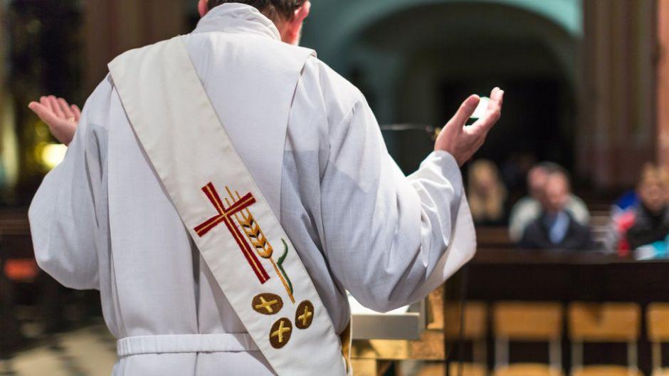 Aparecen más víctimas de abuso sexual cometido por sacerdote en Queens