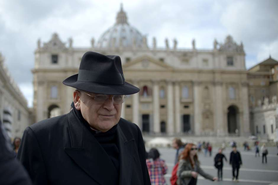 El cardenal Leo Raymond Burke (en la foto en la Plaza de San Pedro) comenzó a liderar la Orden de Malta el 8 de noviembre de 2014.