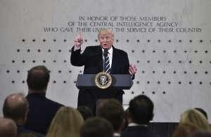Trump tiene en la mira a directores del FBI, CIA y al secretario de Defensa