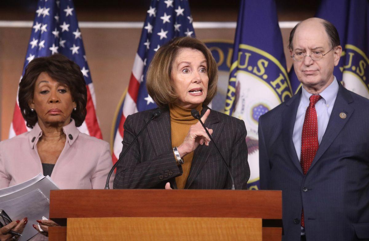 """La poderosa demócrata que tiene """"en la mira"""" al presidente"""