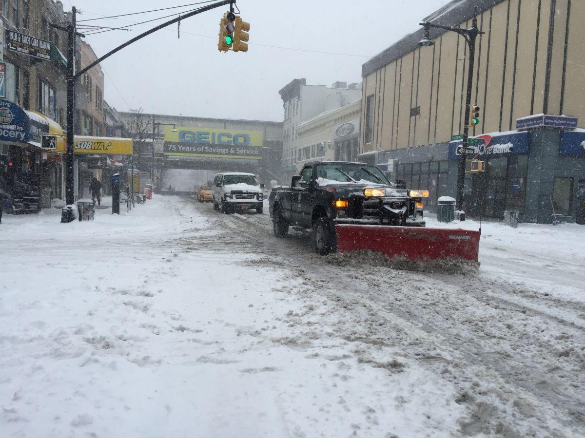 El Departamento de Sanidad pide a los neoyorquinos no usar autos para que sus camiones puedan limpiar