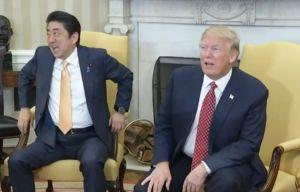 El incómodo saludo de Trump del que todos hablan
