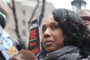 Madre de Ramarley Graham exige una reunión con De Blasio