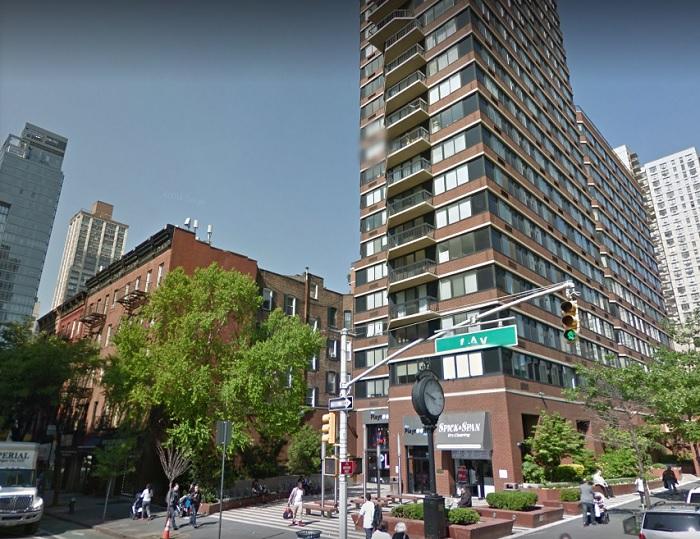 Desamparado cantante perturba el sueño de vecinos en Manhattan