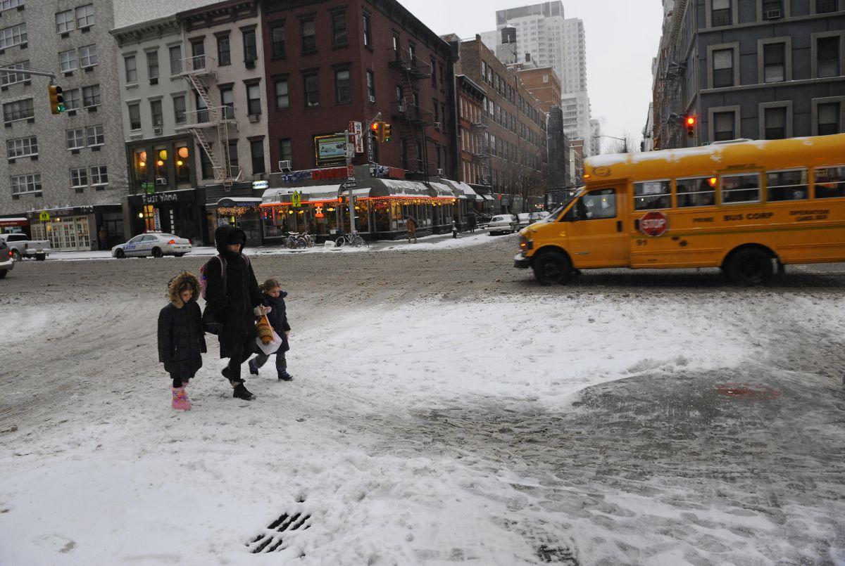 Debido a que las condiciones serán seguras, el Alcalde ordenó la apertura de las escuelas este miércoles.
