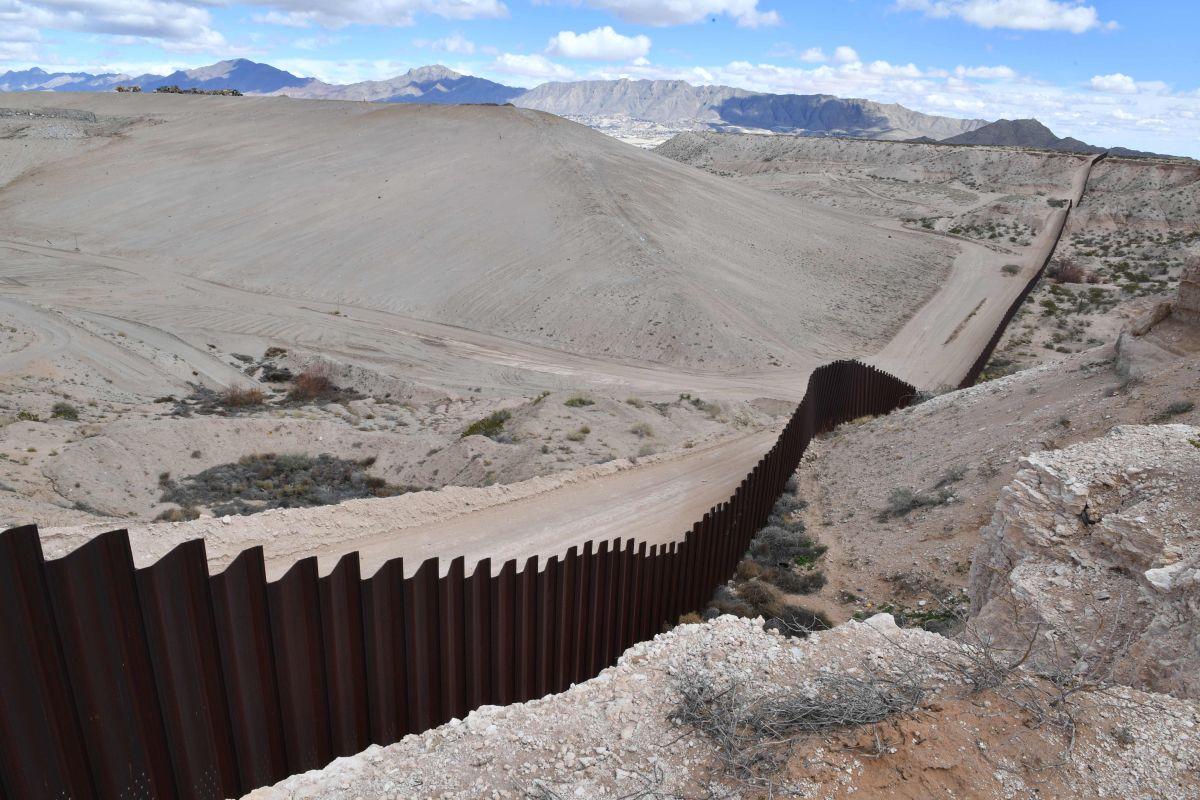 Empresa mexicana quiere iluminar el muro de Trump