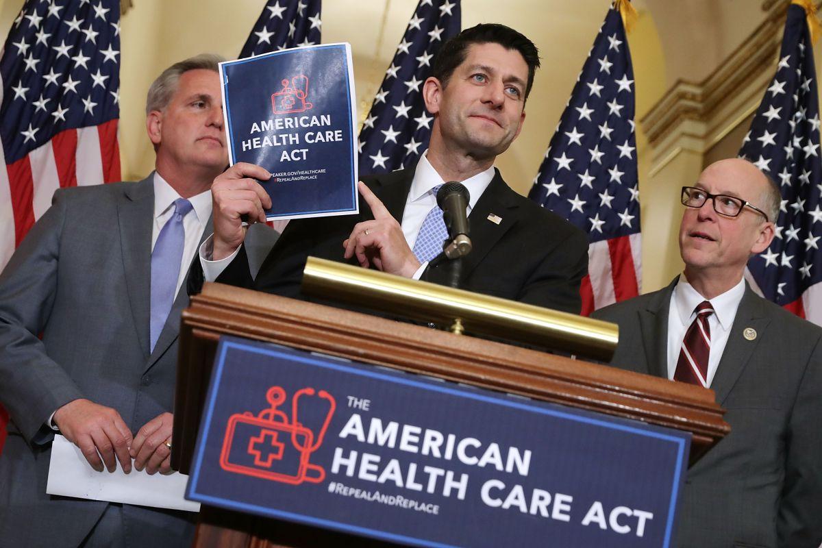 Durante las negociaciones fallidas para reemplazar el Obamacare el presidente dijo que dejaría de pagar los subsidios a las aseguradoras. /Archivo