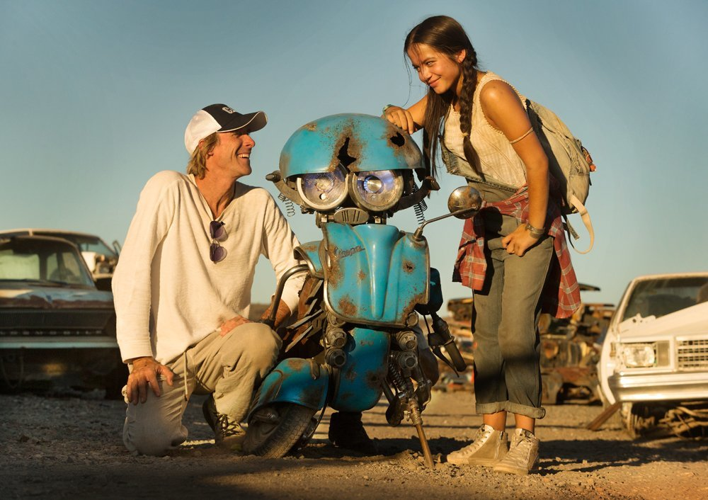 Isabela Moner apunta a estrella con su papel en Transformers