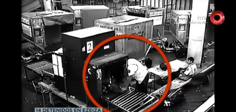 Video: Así operaba la banda que robaba maletas en un aeropuerto