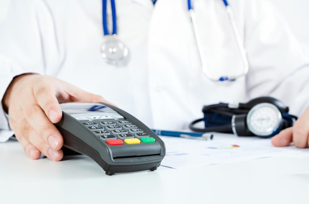 Cómo recortar tus costos de atención médica ahora