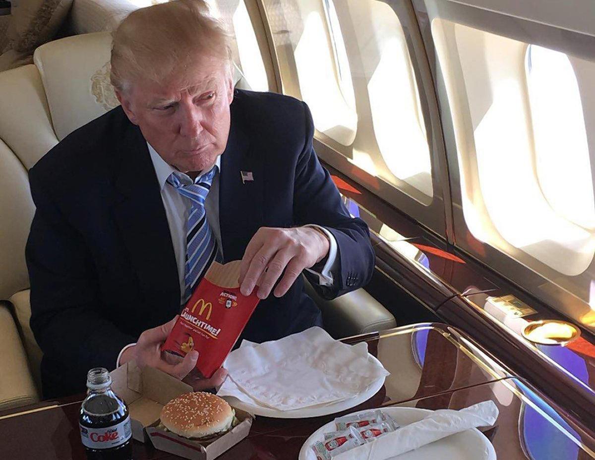 El insultante mensaje de McDonald's a Trump en Twitter que miles compartieron