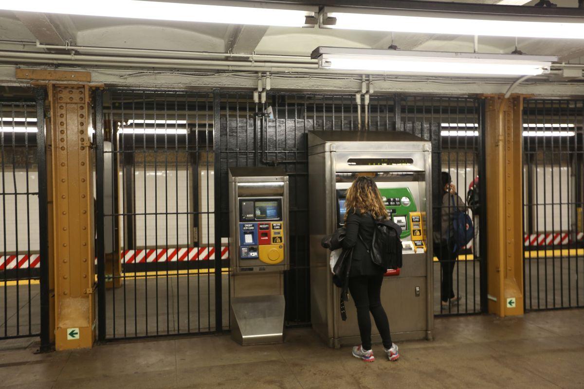 Con sólo 30,000 neoyorquinos inicia el plan de dar MetroCard a los pobres