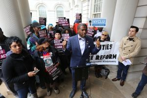 Jumaane Williams gana contienda por la Defensoría del Pueblo de NYC