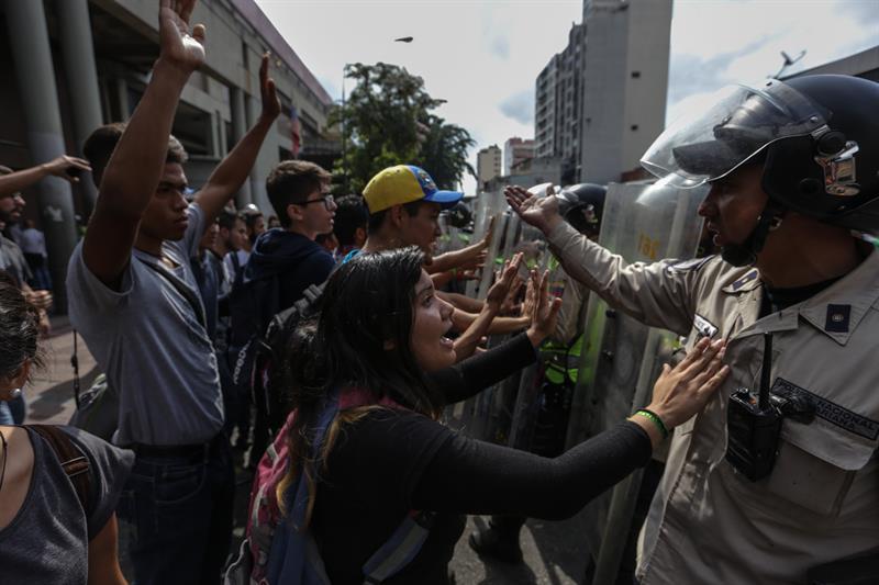 Tribunal Supremo de Venezuela revoca sentencias bajo las que asumió poderes de la Asamblea Nacional