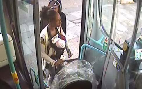 Pareja mata a su hija de 3 meses, carga con el cuerpo hasta el bus y eso no fue todo