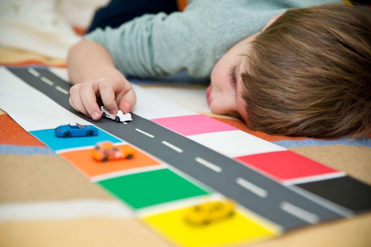 Pareja latina acusada de enjaular a niño autista de 4 años en Las Vegas