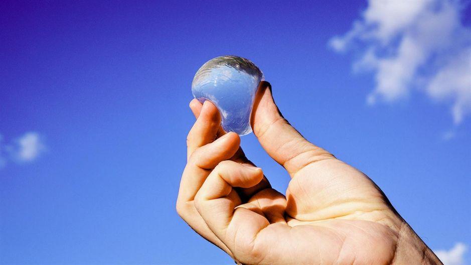 Video: Ooho, la burbuja comestible para llevar agua