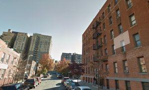 Niño hispano apuñala a intruso en defensa de su madre en El Bronx