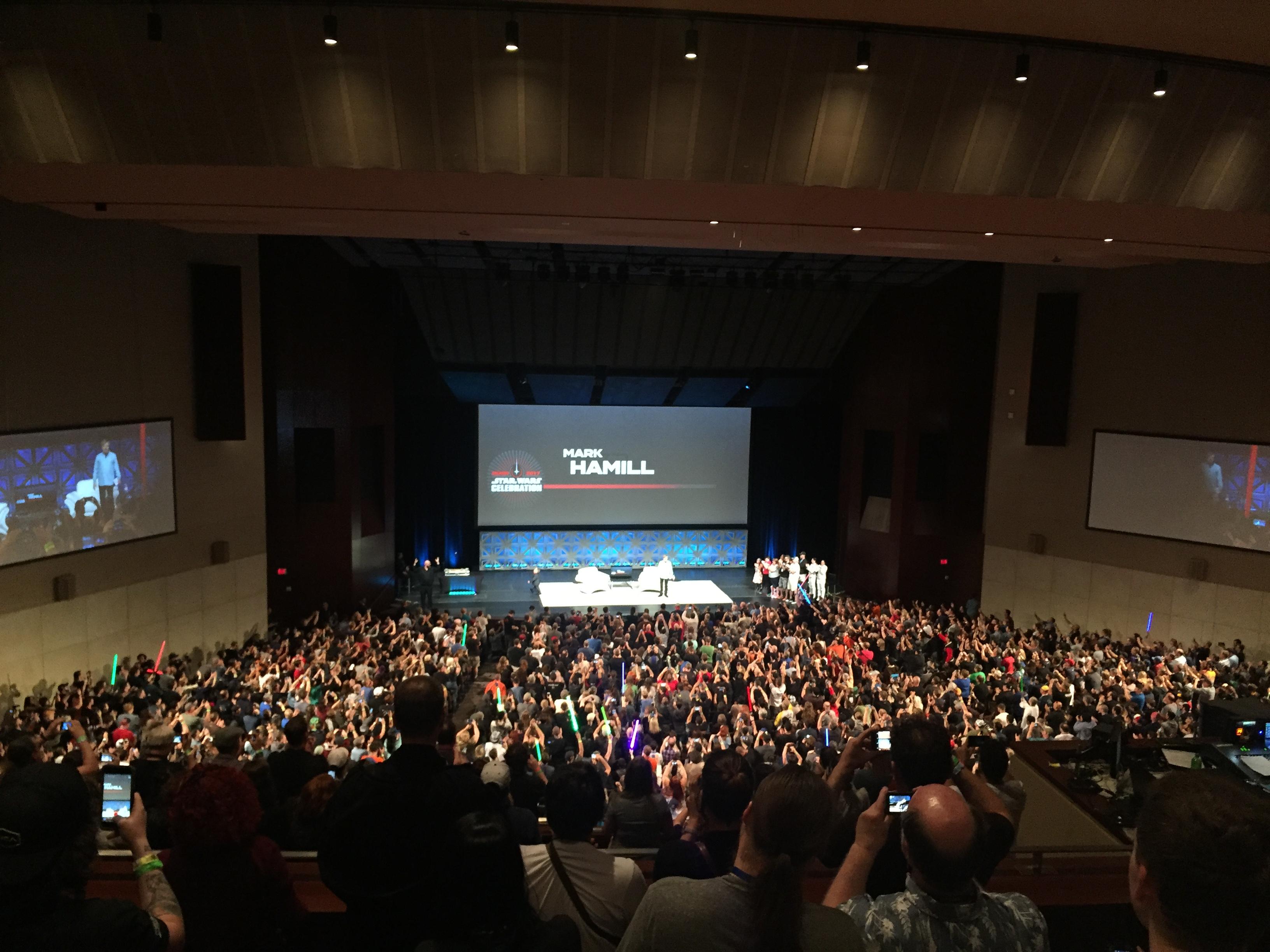 Uno de los auditorios del centro de convenciones de Orlando se llenó para el tributo a Carrie Fisher.