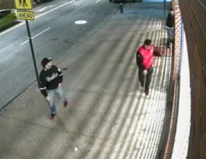 Video: Buscan a sospechosos de vandalizar 13 vehículos en Queens