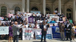 Instan a latinos de Nueva York hacerse la prueba de la hepatitis