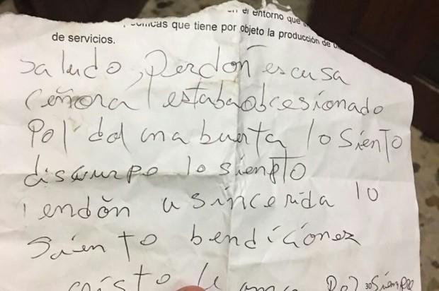 VIDEO: Ladrón devuelve camioneta y deja una nota de disculpas en Dominicana