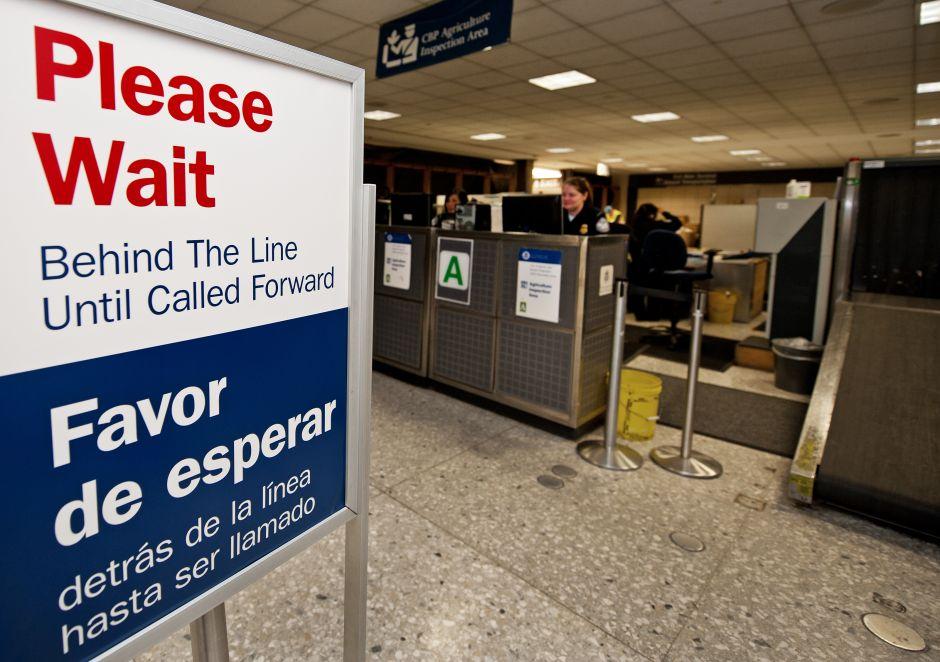 Migración pone el ojo a dos tipos de viajeros a EEUU que dejan vencer sus visas