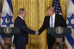 """Trump visitará Israel después de """"traicionar"""" confianza de agencias de inteligencia"""