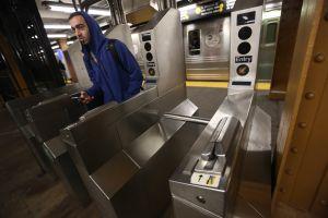 Alivio para los que evaden pagar el metro en Manhattan