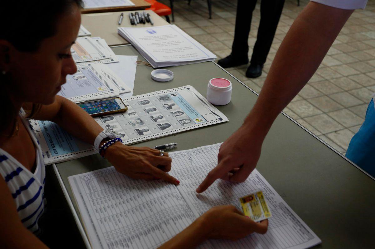 Puerto Rico acude a un plebiscito para buscar su identidad