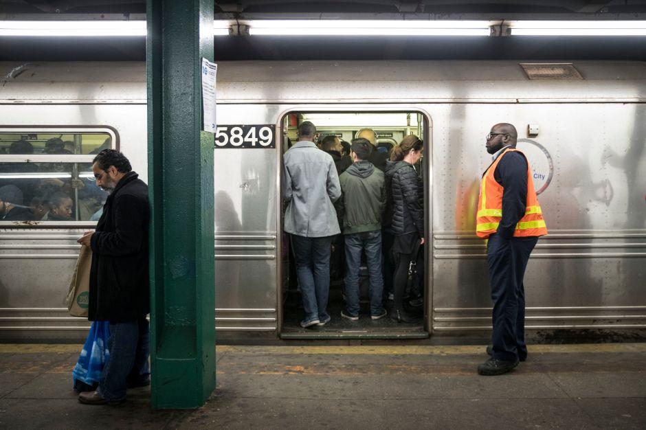 MTA lleva años de retraso en hacer reparaciones del Subway