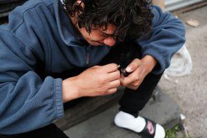 Estudio revela que estudiantes LGTB en NYC consumen más drogas