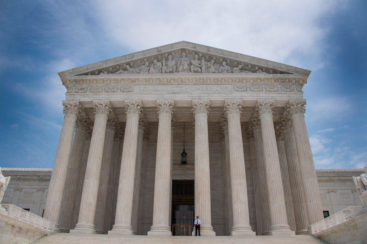 Corte Suprema permite veto migratorio de Trump