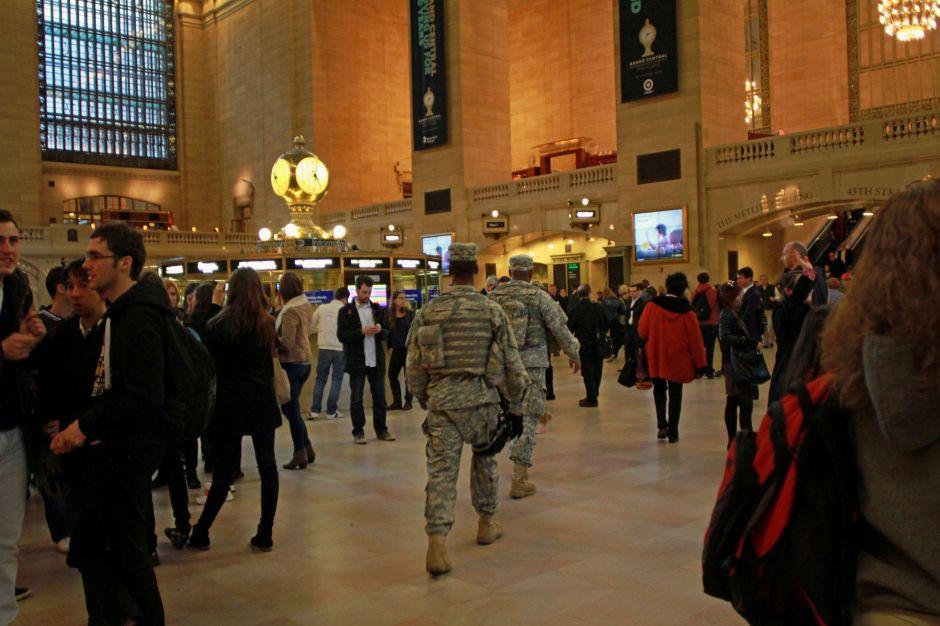 Suspenden parte del servicio del Subway de NYC por paquete sospechoso