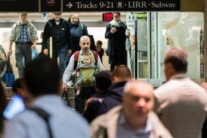 Cuomo pide bajar tarifas durante reparaciones en Penn Station