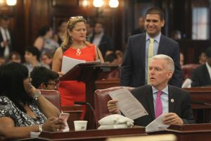 Poder latino y fuerza femenina se medirán en elección del Concejo Municipal