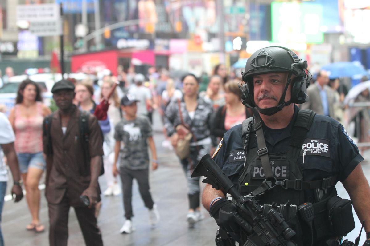 Agentes anti terrorismo de NYPD