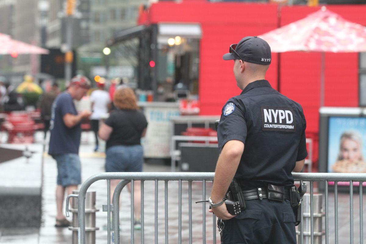 Policías que trabajan más horas extras son los más denunciados por abusos