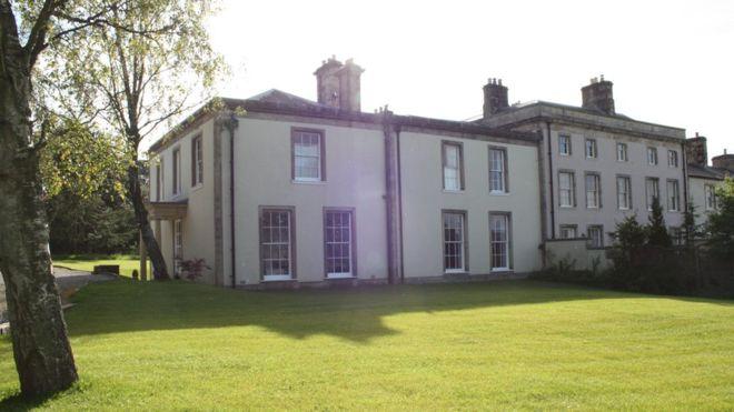 Marie Segar ganó en una rifa una mansión de más de US $1 millón en Inglaterra.