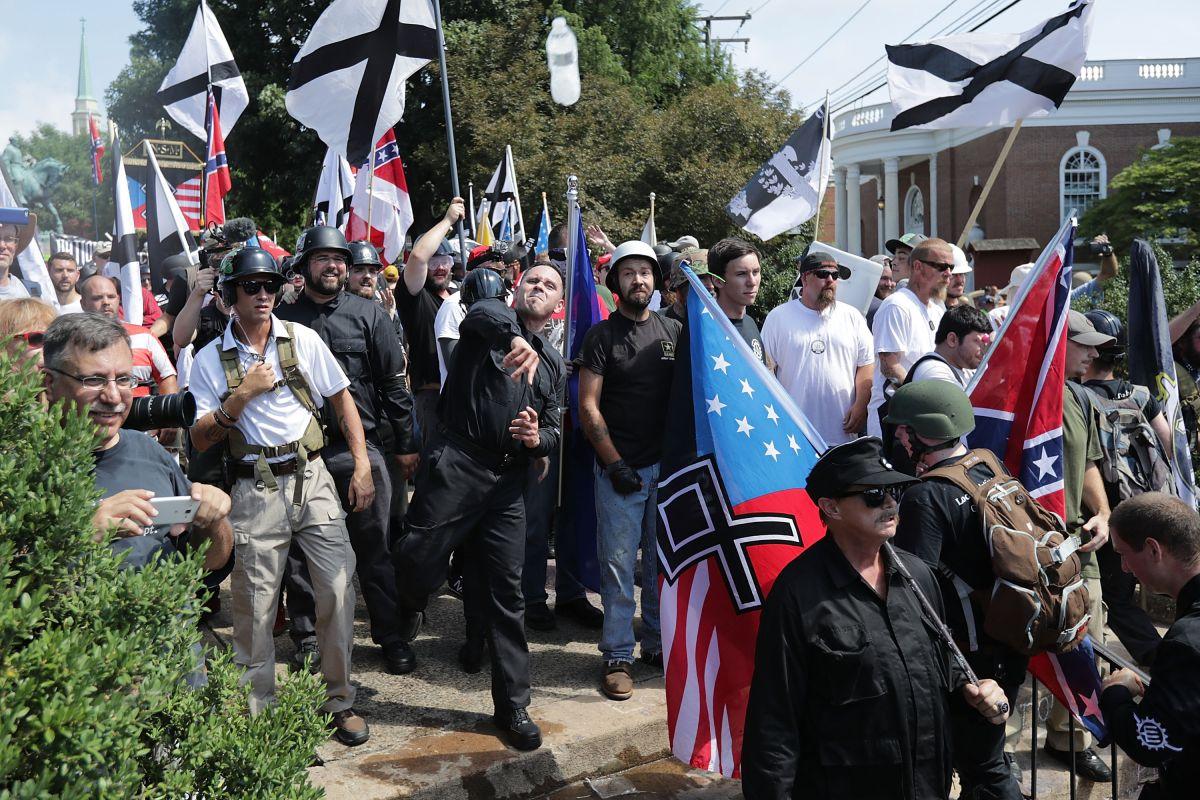 Los hechos en Charlottesville aumentaron la preocupación sobre grupos supremacistas.