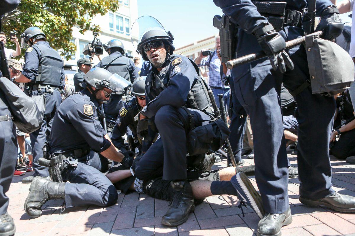 Las fuerzas policiacas locales y estatales podrían utilizar equipo militar incluso en protestas.