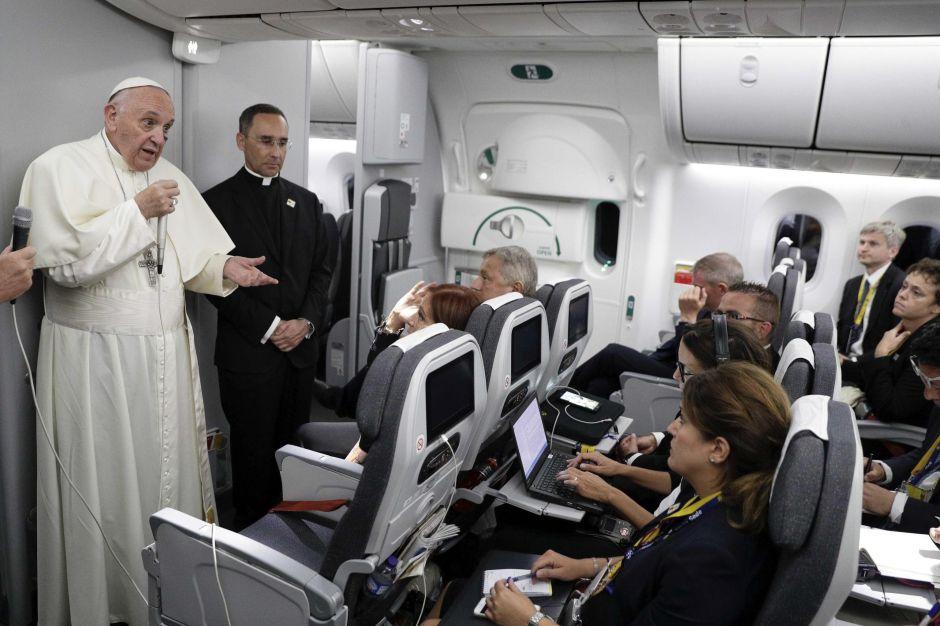 """El Papa confía en que Trump """"se arrepienta"""" de eliminar DACA"""